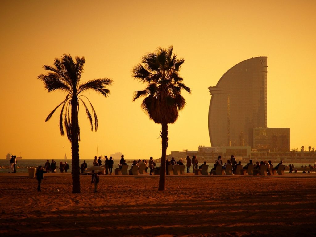 Dont Waste Time And Come This Summer To Barcelona Enjoy The Sun