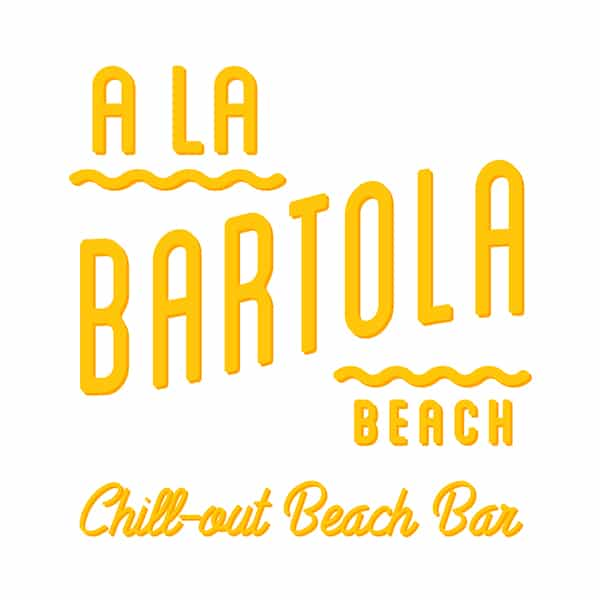 A la Bartola Beach. Partner Feetup Hostels Group