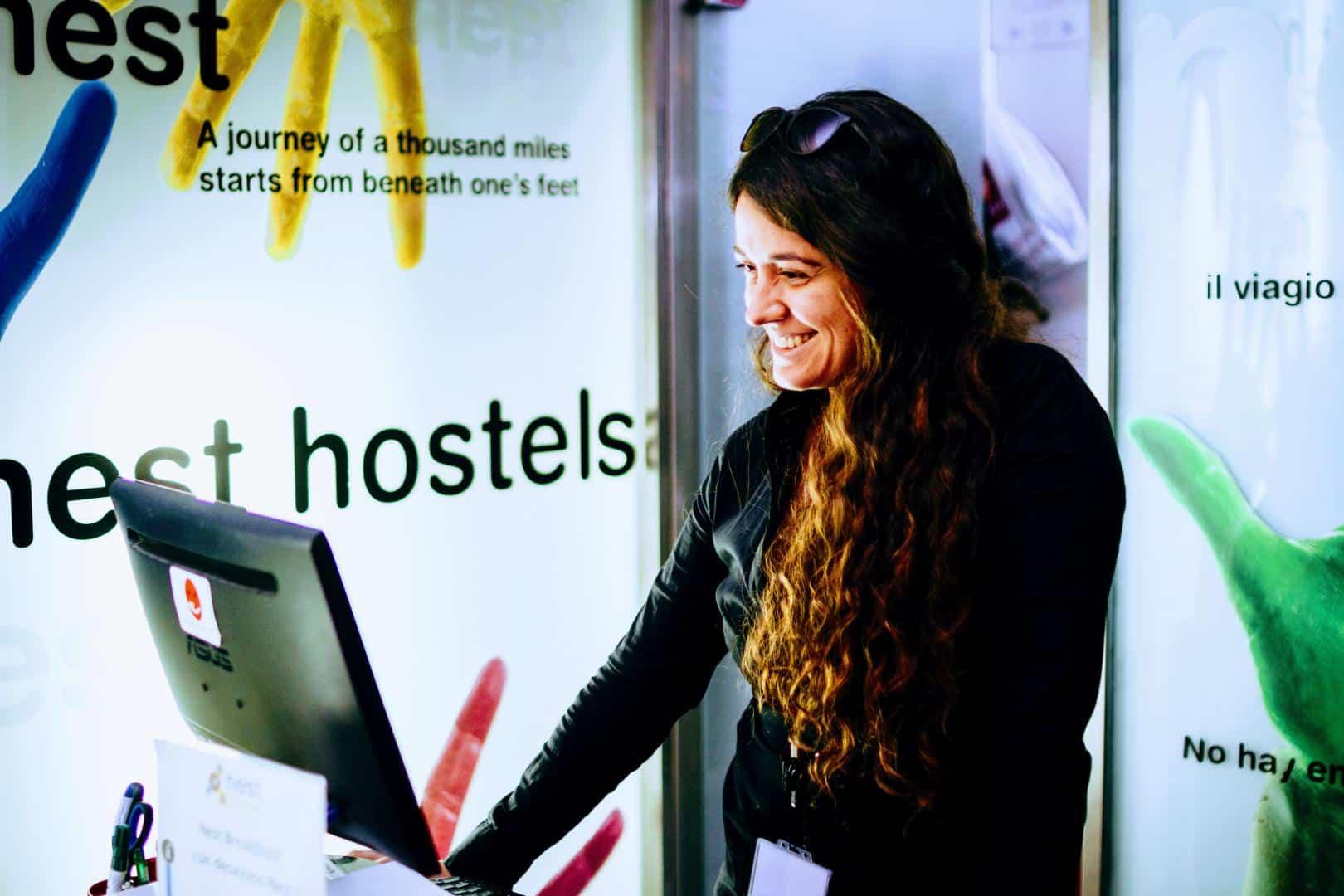 Booking Purple Nest Hostel Valencia